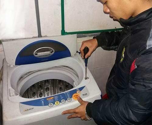 Sửa máy giặt Electrolux khởi động chậm