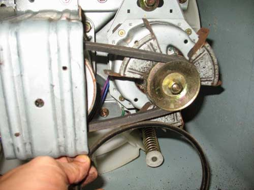 Thay dây curoa máy giặt Electrolux