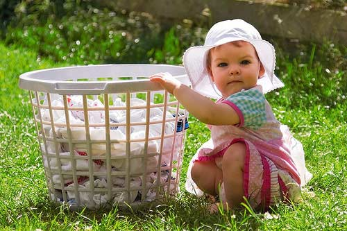 giặt quần áo em bé với máy giặt Electrolux