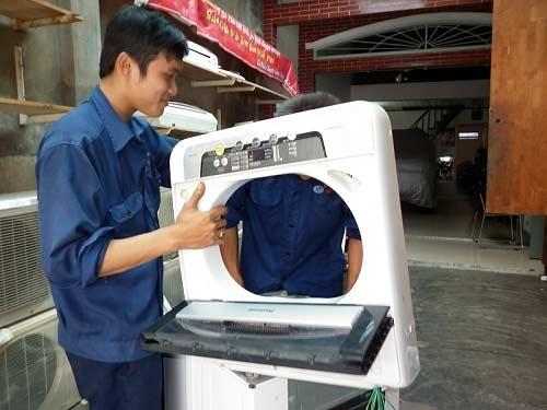 sửa chữa máy giặt Electrolux không vào điện
