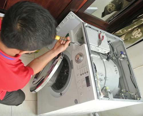 sửa máy giặt Electrolux nhấp nháy đèn đỏ