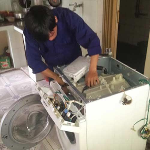 sửa máy giặt Electrolux xả nước liên tục