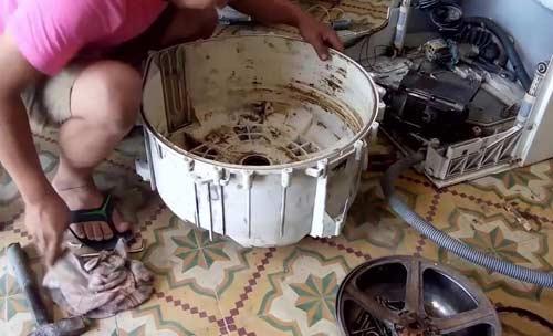 linh kiện máy giặt Electrolux quá cũ