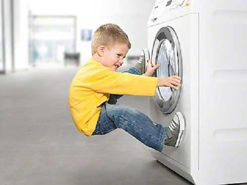 cửa máy giặt Electrolux bị kẹt