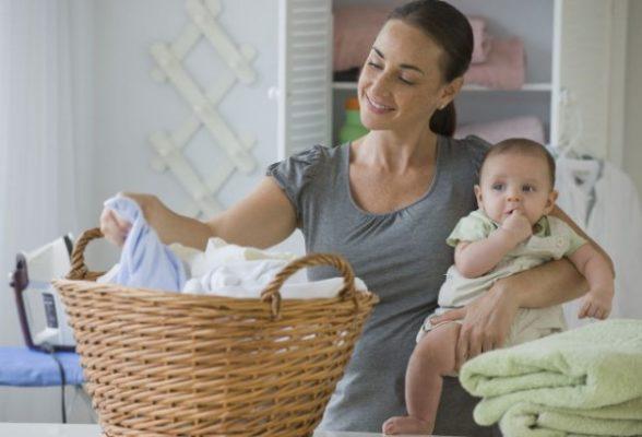 giặt quần áo trẻ nhỏ